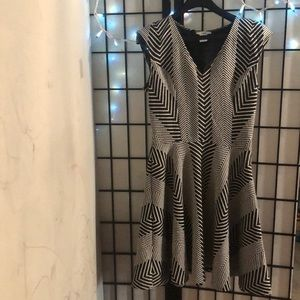 Bar ||| black and white design dress size Large